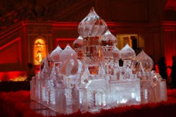 russian palace 12 ice carving.JPG