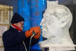 Hamburg Ice Carving 2.JPG