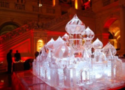 russian palace 10 ice carving.JPG